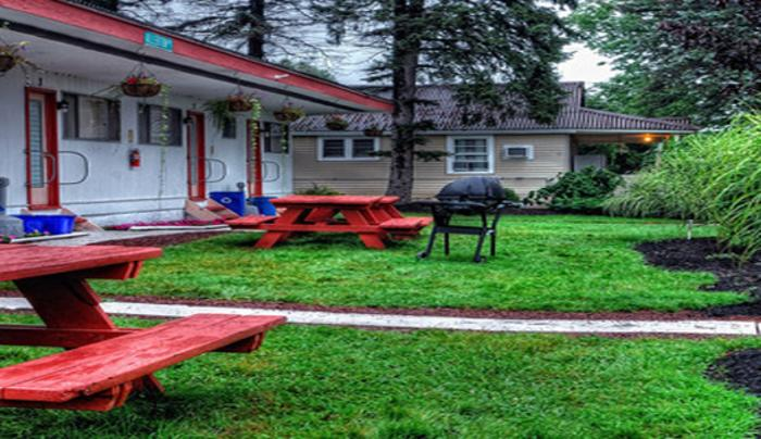 Fosterdale Motore Lodge
