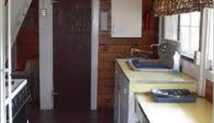 golden fish cabin interior2