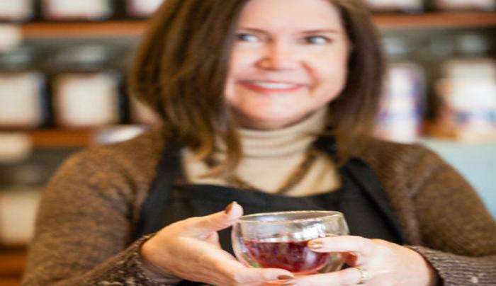 good-life-tea-canandaigua-lady