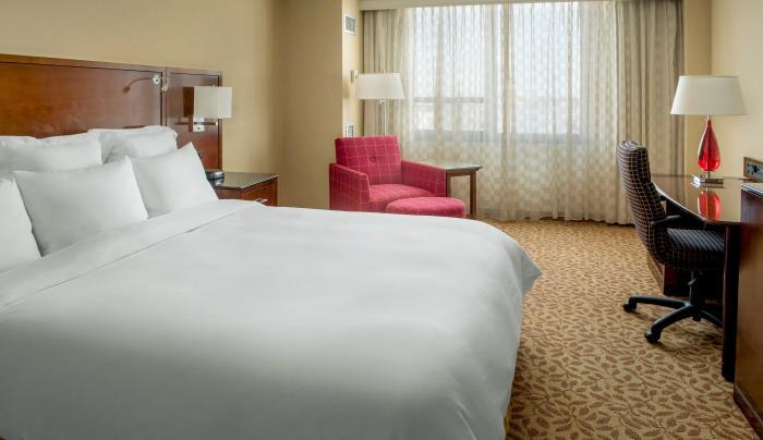 king bedroom at New York LaGuardia Airport Marriott