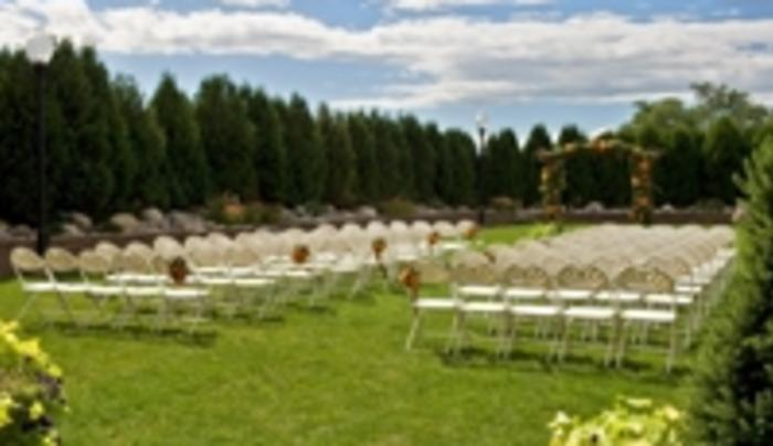 Outdoor Wedding @ Hilton Garden Inn