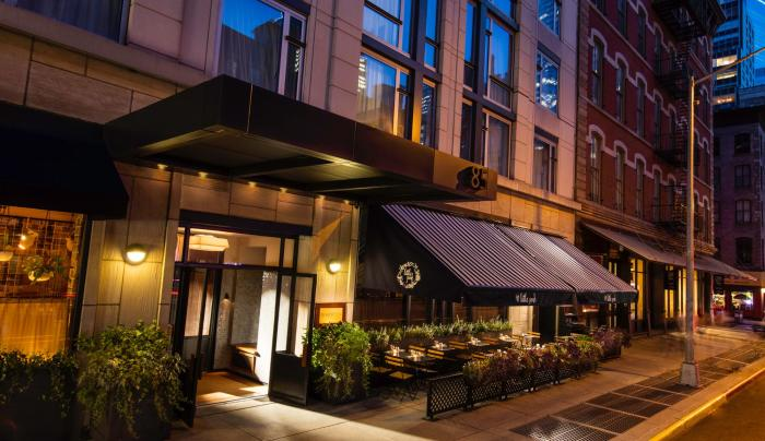 Smyth, A Thompson Hotel