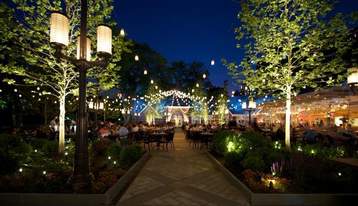 tavern-on-the-green-courtyarda-maura-daley