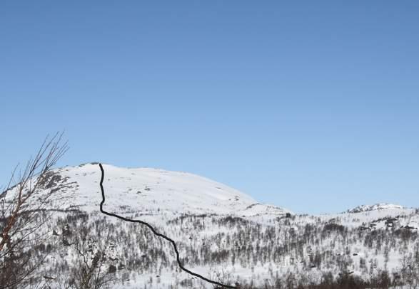 Randonee skiing to Kaldsfjødd