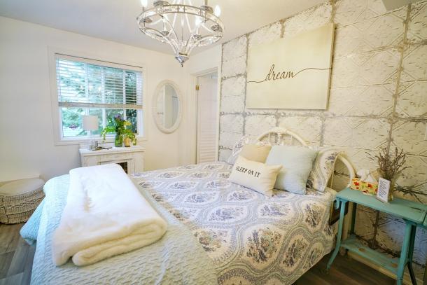 bedroom in b&b caledonia