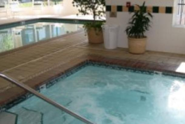 24-hr Indoor Pool & Whirlpool