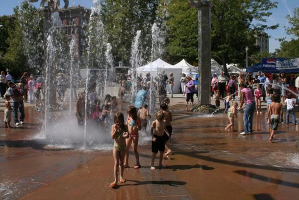 Riverfront Park Rotary Interactive Fountain
