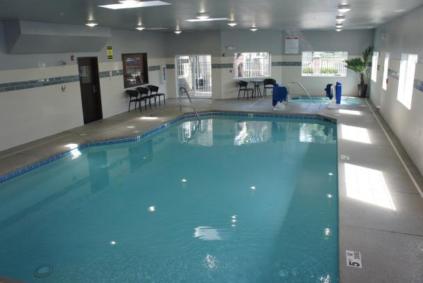 24-HR Indoor Pool & Spa