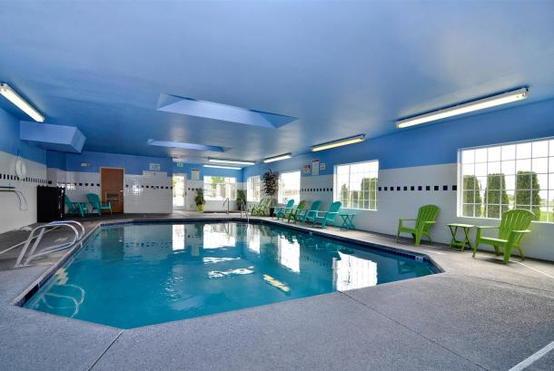 24 Hour heated indoor pool