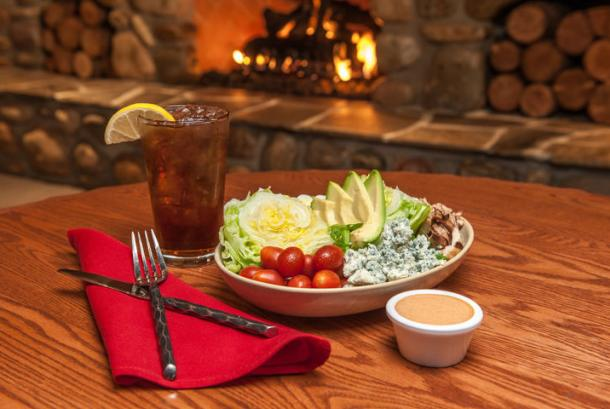 Red Tail Bar & Grill - Salad