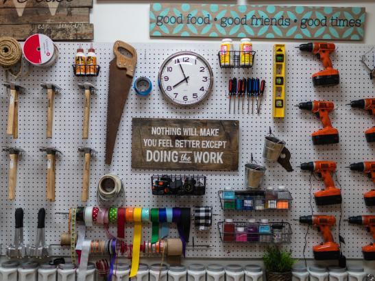 Board & Brush | credit AB-PHOTOGRAPHY.US