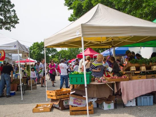 A busy day at the market | credit choochoo-ca-chew