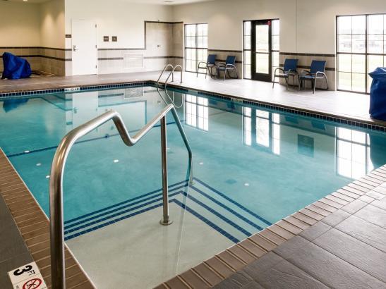 Pool & Hot-Tub Area