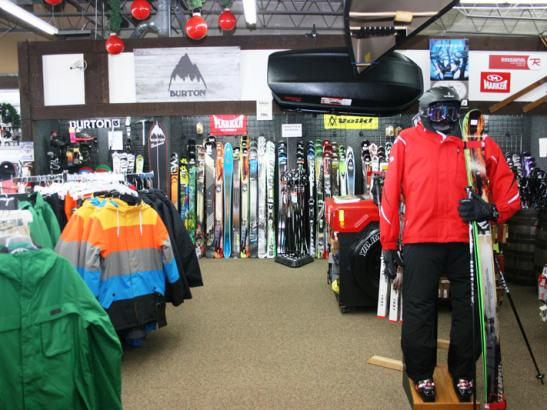 Skis, snowboards + snowshoes
