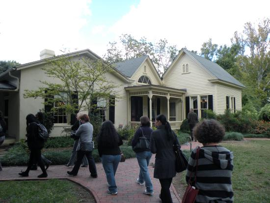 Walking tour at Horace Williams House
