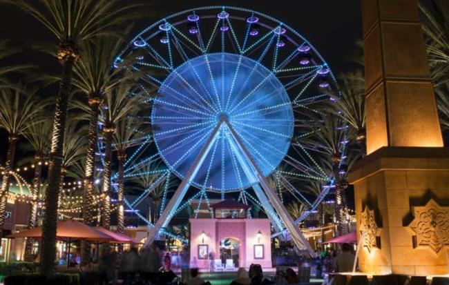 The Giant Wheel at Irvine Spectrum Center