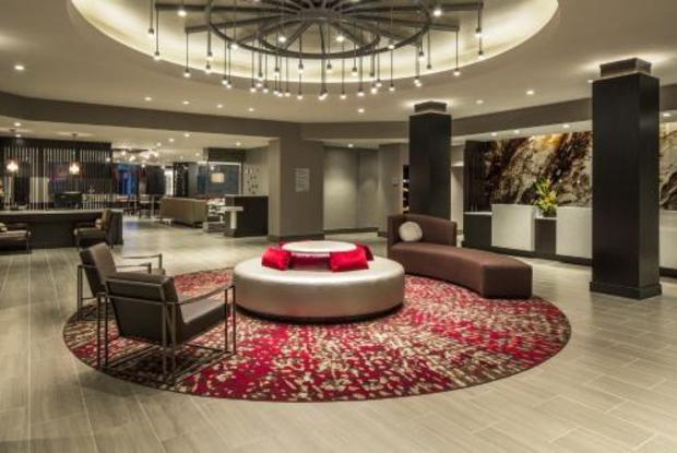 DT Largo Hotel Lobby Area