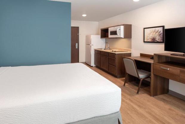 Woodspring Suites Largo C