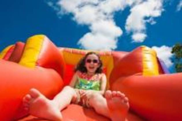 CCInflatablePark-girlonslide