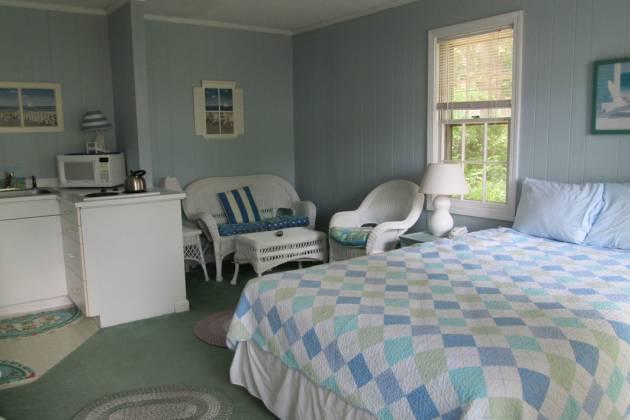 Captain Gosnold Village bedroom 2.jpg