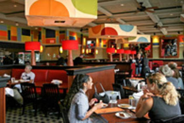 dining-in-hyannis-ma-background.jpg