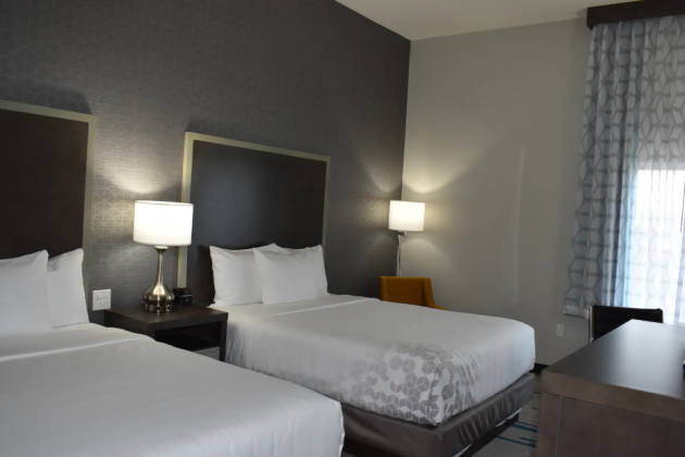 La Quinta Clovis Queen Beds