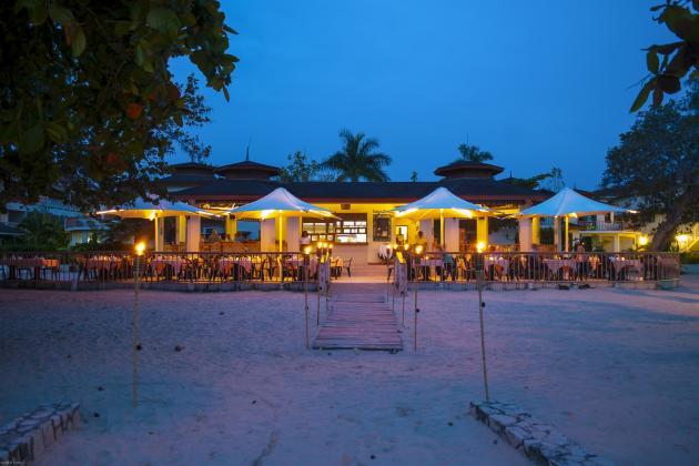 Coco La Palm at dusk