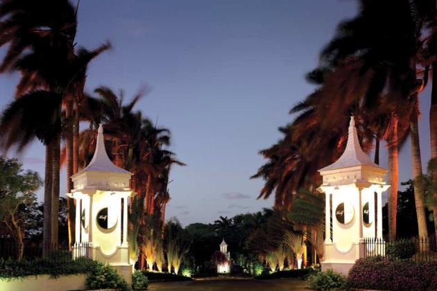 Half-Moon,-A-RockResort,-Rose-Hall,-Jamaica---Resort-Entrance