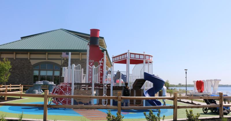 finger-lakes-welcome-center-playground
