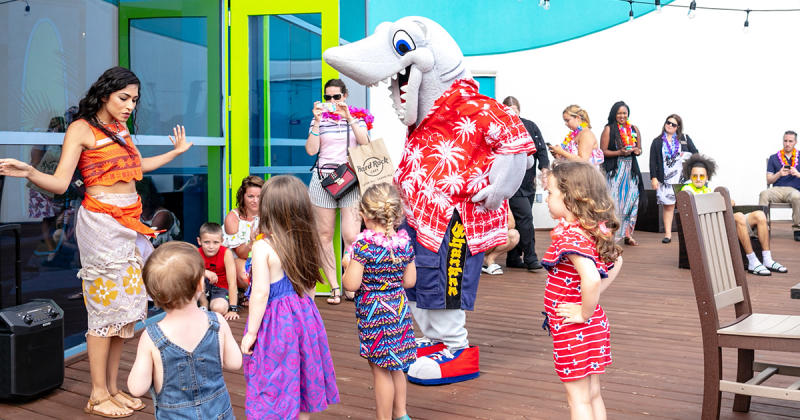 Sharky from Ripley's Aquarium dancing with kids, Myrtle Beach, SC