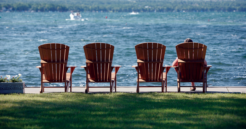 Chairs Inn On Lake Social