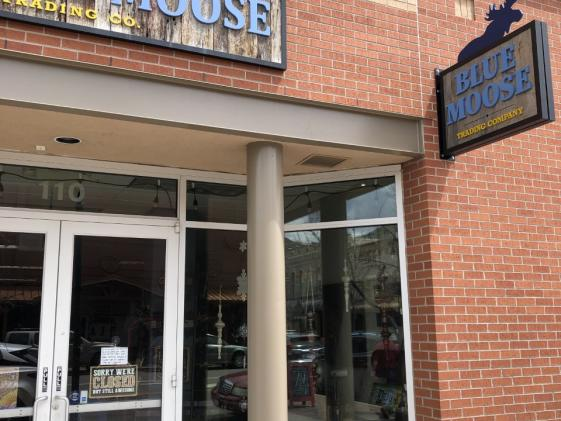 Exterior Blue Moose trading