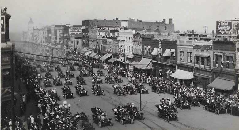 1916 Topeka Auto Parade>Topeka History Geeks