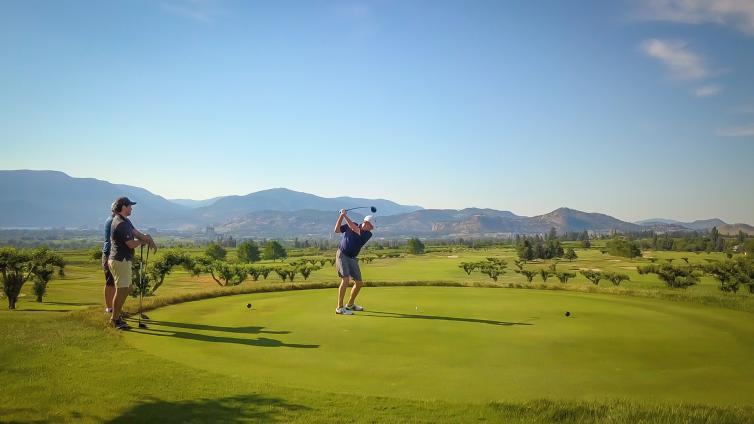 Roger Sleiman golfing at Harvest Golf Club