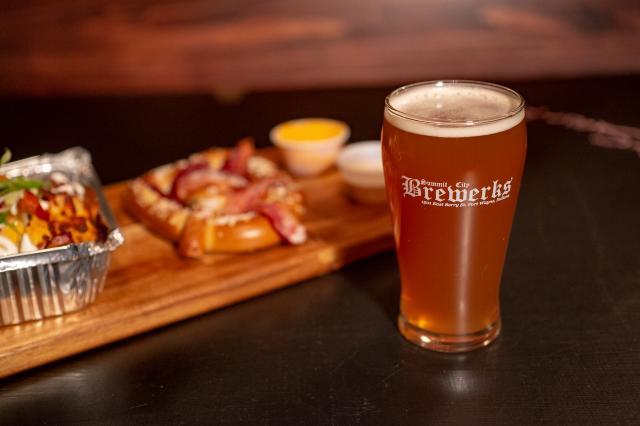 Food and Beer at Summit City Brewerks