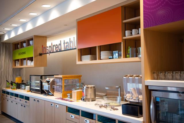 Home2 Suites Breakfast Area