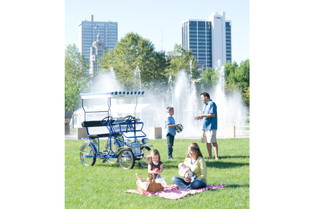 Headwaters Park Family at Fountain