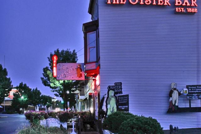 night-shot-OBar-web.jpg