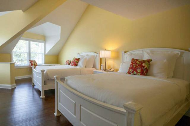 suite-bedroom3WEB.jpg