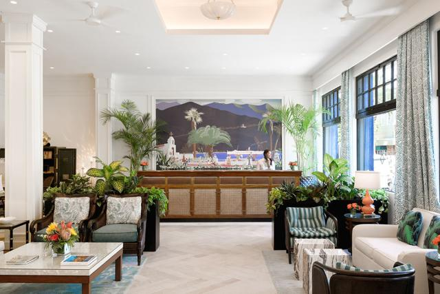 Hotel Atwater Front Desk