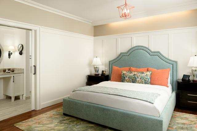 Hotel Atwater - Helen Blanche ADA Suite