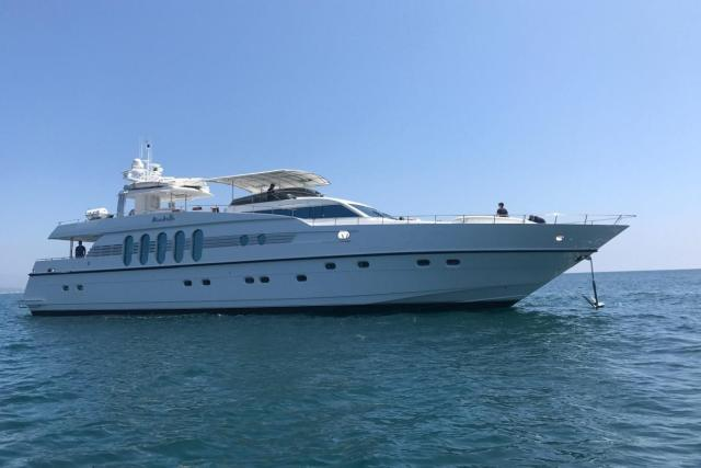 Luxury Liners Yacht