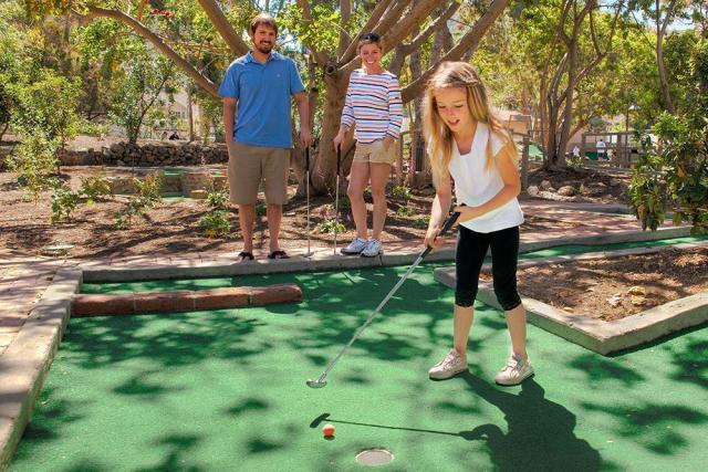 golf-gardens-01472690420gD6.jpg
