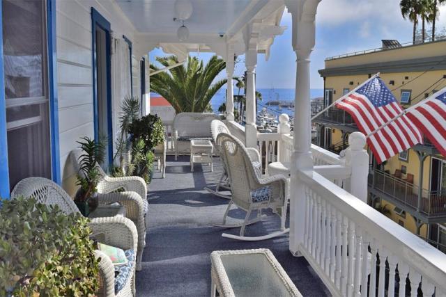 hotel-catalina-courtyard-garden-suites-01472690659P9d.jpg