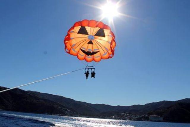 parasail-catalina-01472690704x7S.jpg