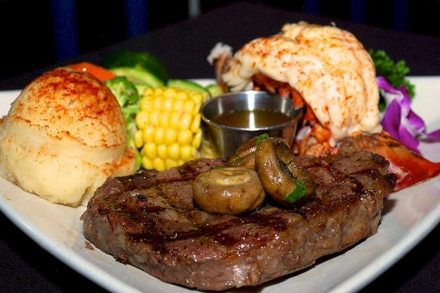 steves-steakhouse-01486690049079.jpg