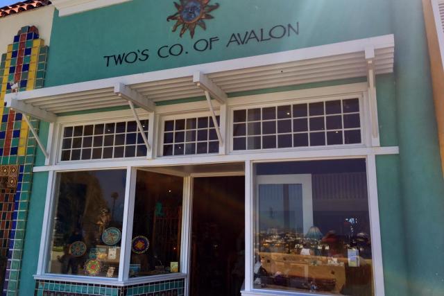 twos-company-01472691986bB2.jpg