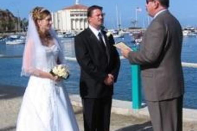 wed-on-catalina-01472692486Gw5.jpg