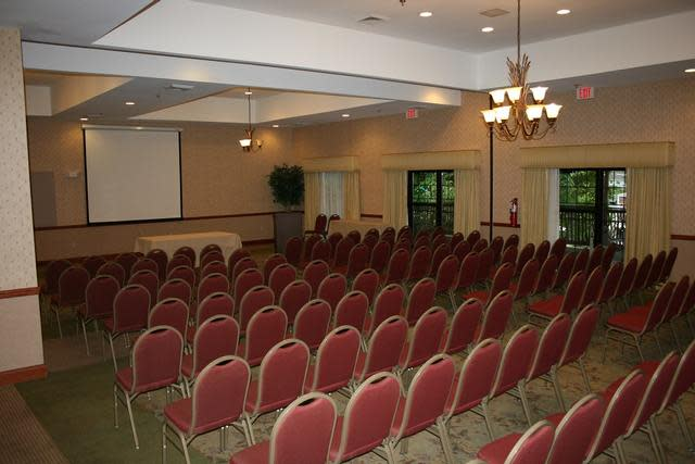 La Quinta Meeting Room