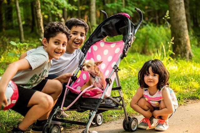 Kids on Riverwalk in Hillsborough